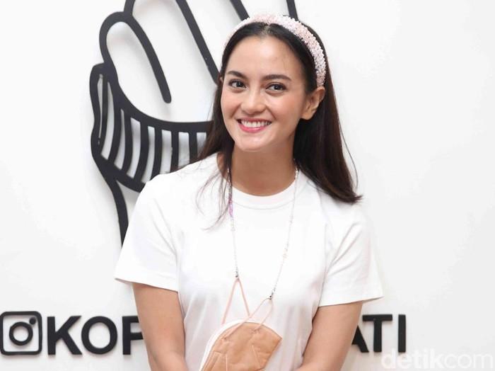 Ririn Ekawati saat ditemui di sebuah acara di cafe kopi Lain Hati, Kemang, Jakarta Selatan, Rabu (31/03/2021).