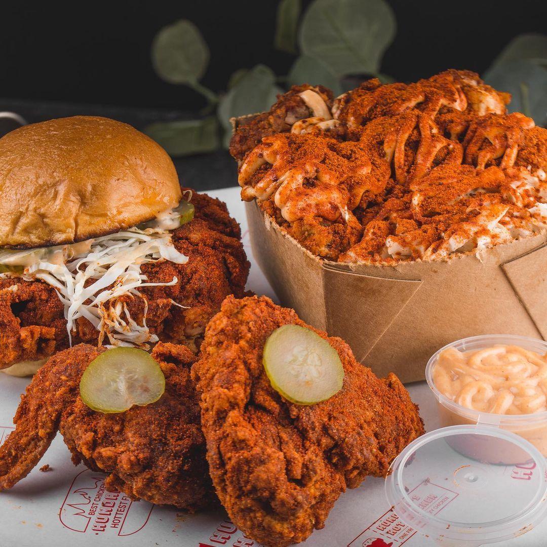 Tak Kalah Ngetren, Ini 5 Tempat Makan Chicken Burger Premium