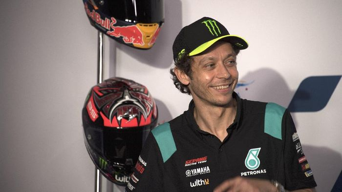 DOHA, QATAR - MARCH 25: Valentino Rossi of Italy and Petronas Yamaha SRT smiles during the press conference pre-event during the MotoGP of Qatar - Previews at Losail Circuit on March 25, 2021 in Doha, Qatar. (Photo by Mirco Lazzari gp/Getty Images)
