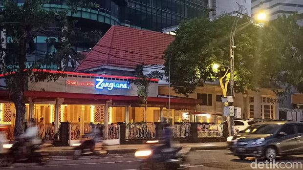 Es krim legendaris di Surabaya.
