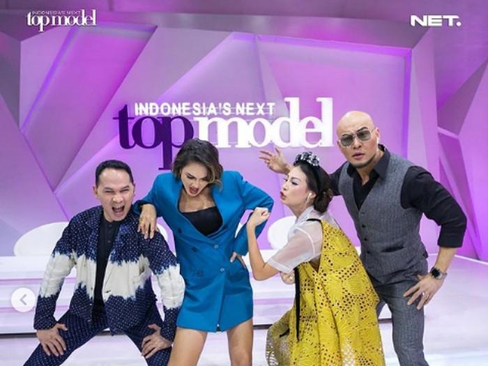 Deddy Corbuzier, Luna Maya dan juri Indonesias Next Top Model. Foto: Dok. Instagram @intm_nettv