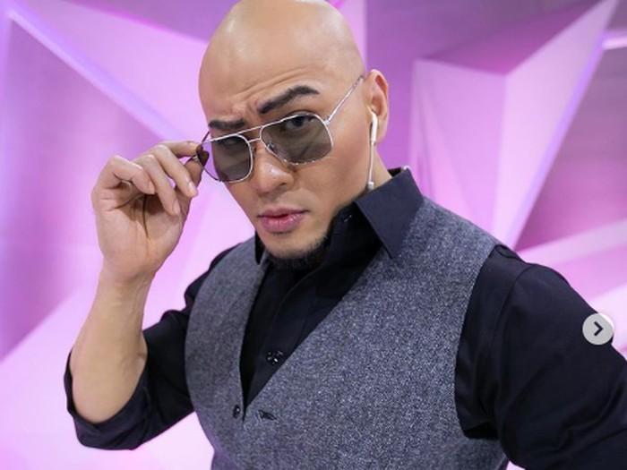 Deddy Corbuzier juri Indonesias Next Top Model