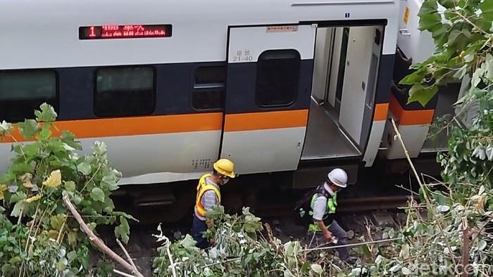 Kecelakaan kereta api terjadi di sebuah terowongan di Taiwan Timur pada Jumat (2/4) waktu setempat. Setidaknya 36 orang tewas dan 72 lainnya terluka.
