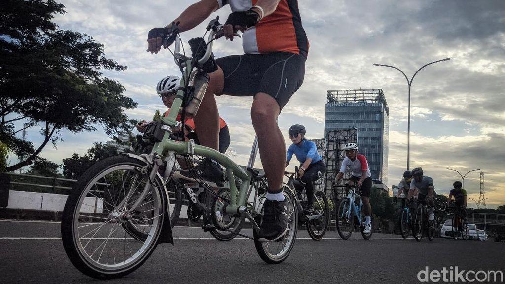 Libur Panjang Warga Manfaatkan Bersepeda