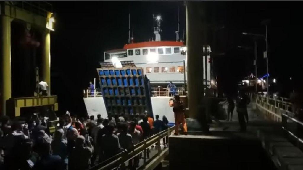 Kapal yang Sempat Hilang Kontak Tiba di Selayar Sulsel, 298 Penumpang Selamat