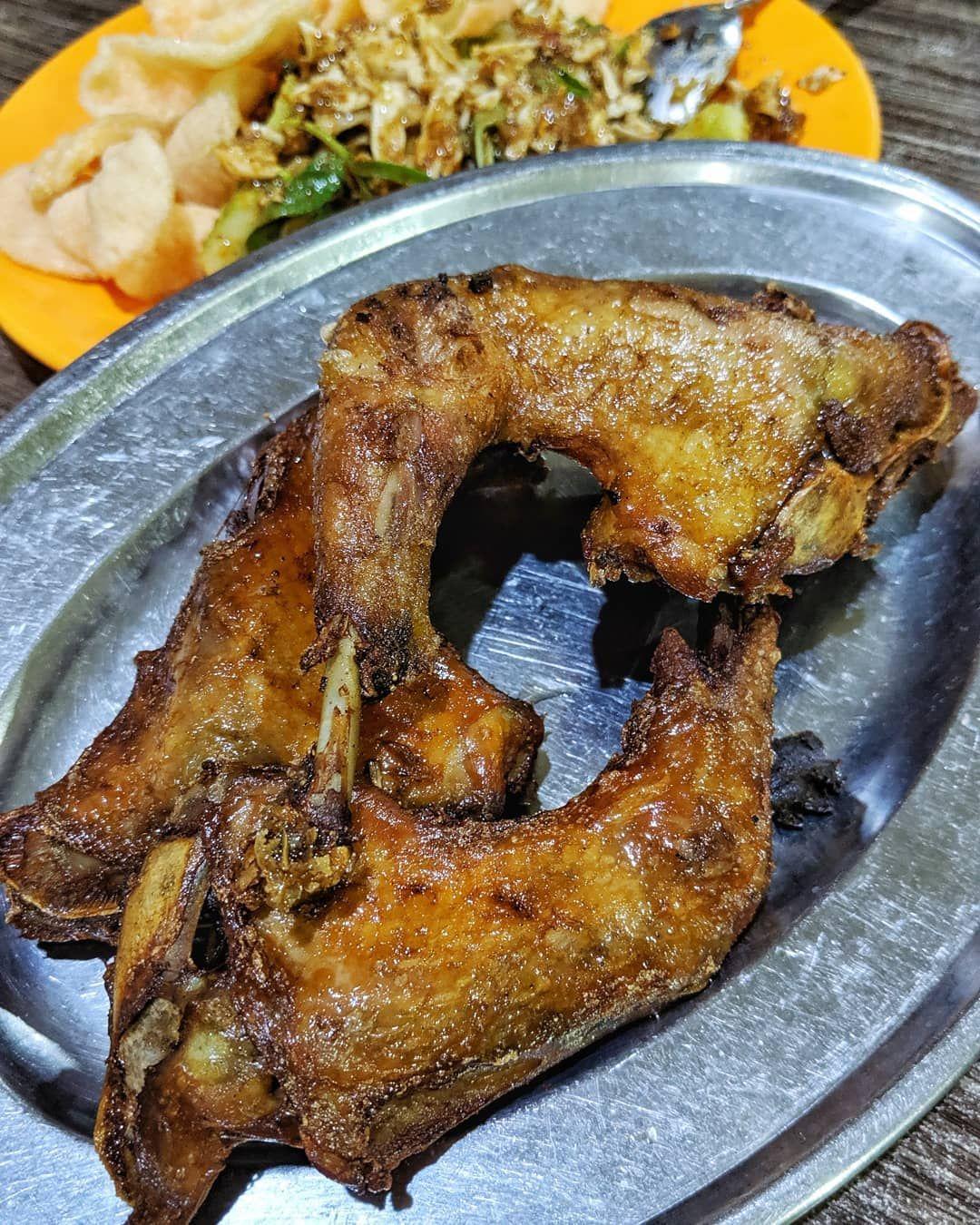 tempat makan ayam goreng enak di Bandung