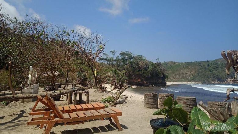 View Pantai Sanggar yang mirip dengan Bali. Gambar milik pribadi