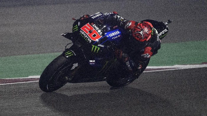 DOHA, QATAR - APRIL 02: Fabio Quartararo of France and Monster Energy Yamaha MotoGP Team  rounds the bend during the MotoGP of Qatar - Free Practice at Losail Circuit on April 02, 2021 in Doha, Qatar. (Photo by Mirco Lazzari gp/Getty Images)