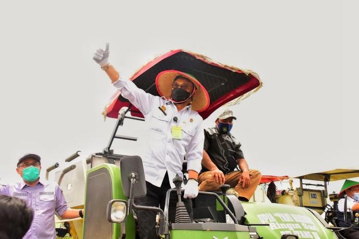 Menteri Pertanian Syahrul Yasin Limpo terus mengawal panen raya padi dan gerakan serap gabah petani di seluruh daerah.