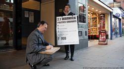 Lulusan yang Menganggur Takut Jadi Generasi Hilang di Eropa