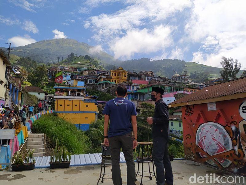 Menparekraf Sandiaga Uno mengunjungi Nepal Van Java