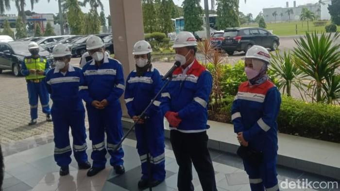 Menteri ESDM Arifin Tasrif tinjau kilang minyak Pertamina Indramayu.
