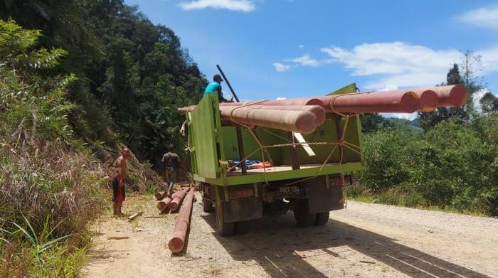 PLN terangi 8 desa daerah perbatasan RI-Malaysia di Kalimantan Barat
