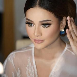 Aurel Hermansyah Bak Princess Saat Akad Nikah, Makeupnya Banjir Pujian