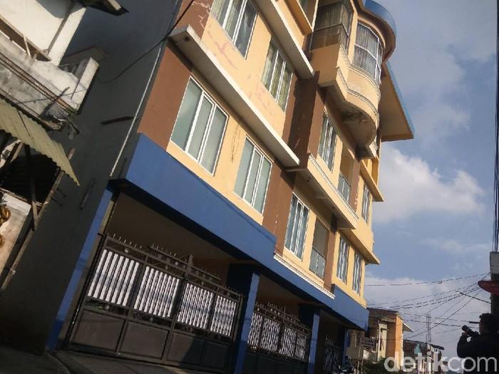 Rumah Bupati Bandung Barat Aa Umbara