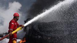 3 Fakta Kejanggalan Kebakaran Kilang Pertamina