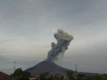 Gunung Sinabung 2 Kali Erupsi di Hari Lebaran