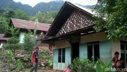 Unik! Tak Ada Rumah di Kampung Jalawastu Brebes yang Berbahan Semen