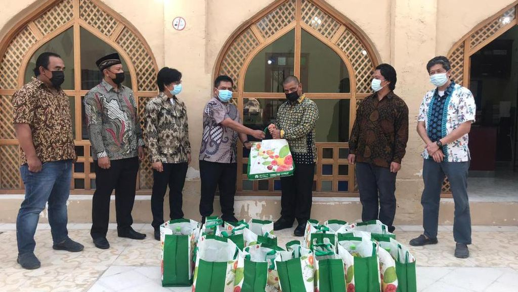 KBRI Doha Salurkan Bantuan ke 920 WNI Terdampak COVID-19 di Qatar