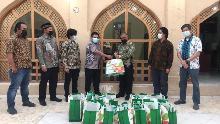 KBRI Doha Salurkan Bantuan ke WNI terdapak di Qatar