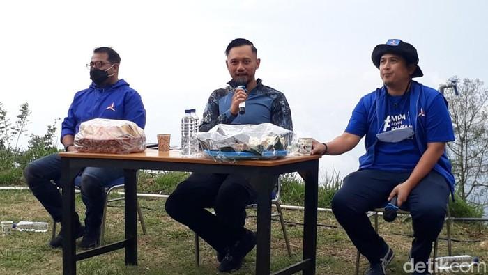 Ketum Demokrat AHY saat jumpa pers di Semarang, Minggu (4/4/2021)