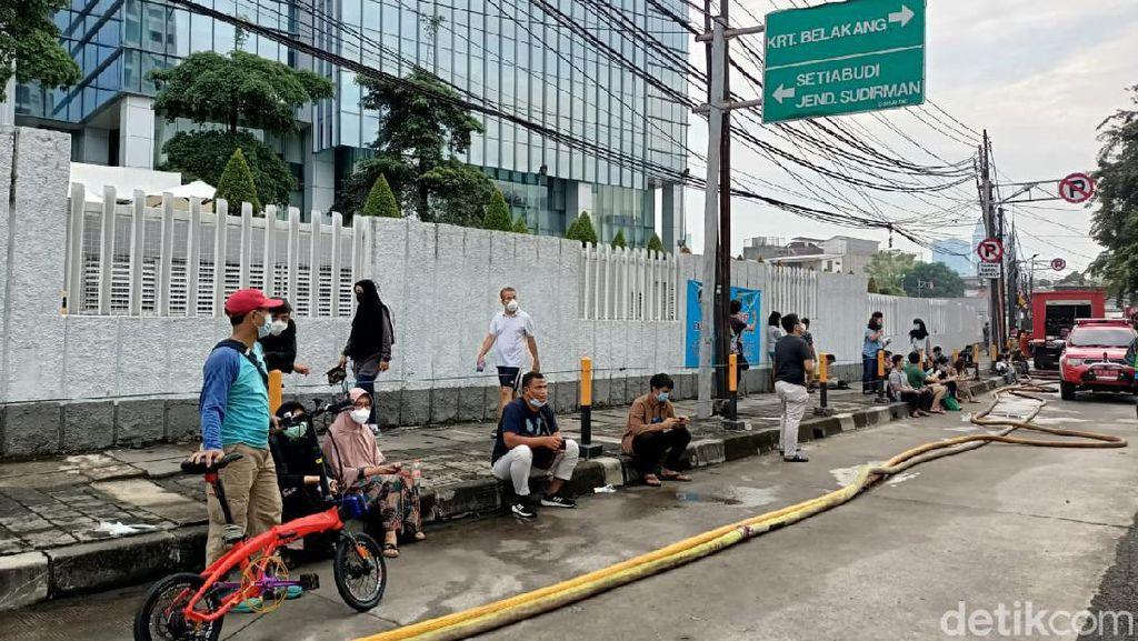 Kebakaran Basement Apartemen Taman Sari Jaksel Hanguskan 2 Mobil