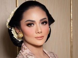 Hairstylist Ungkap Makna Sanggul Bangun Tulak Krisdayanti di Pernikahan Aurel