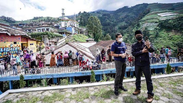 Menparekraf Sandiaga Uno di Dusun Butuh Kaliangkrik Magelang