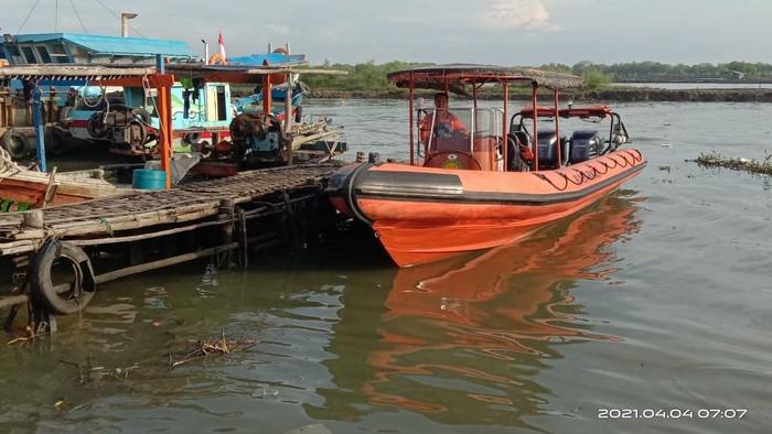 Petugas gabungan masih mencari 17 abk yang hilang di Indramayu