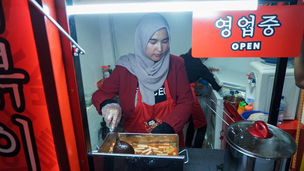 Dipecat dari Perusahaan Korea, Wanita Ini Sukses Buka 46 Street Food Topokki