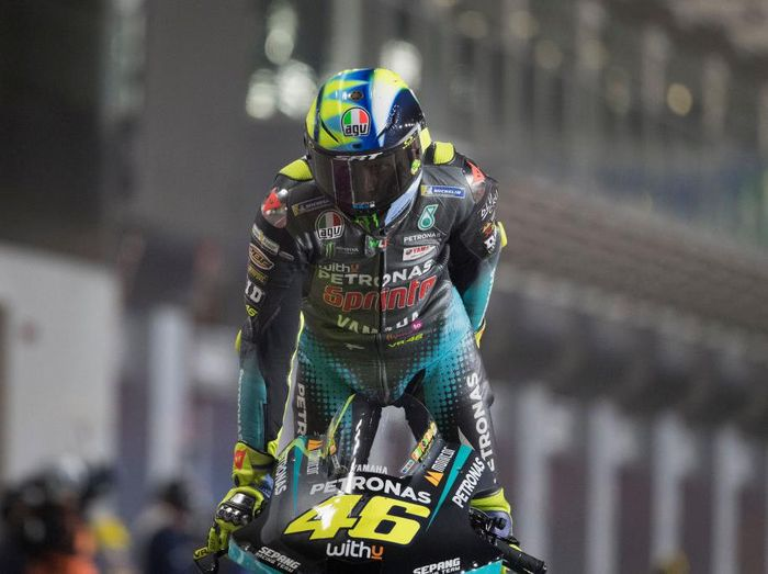 DOHA, QATAR - APRIL 03: Valentino Rossi of Italy and Petronas Yamaha SRT strats from box during the qualifying practice during the MotoGP of Qatar - Qualifying at Losail Circuit on April 03, 2021 in Doha, Qatar. (Photo by Mirco Lazzari gp/Getty Images)