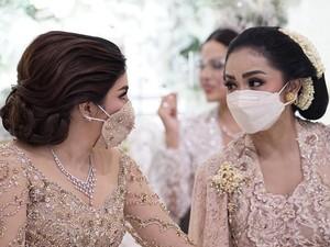 Potret Keakraban Ashanty-Krisdayanti, 2 Ibu di Pernikahan Aurel Hermansyah