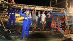 Korban Kapal Tenggelam di Indramayu Dievakuasi