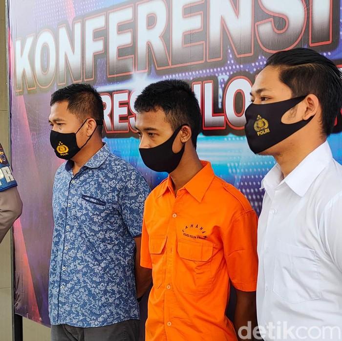 NAF (22), pria yang tega menghabisi nyawa dua wanita muda di Kulon Progo ternyata residivis kasus pencurian dan pemerasan pada 2018 silam. NAF juga diketahui merupakan pengangguran.