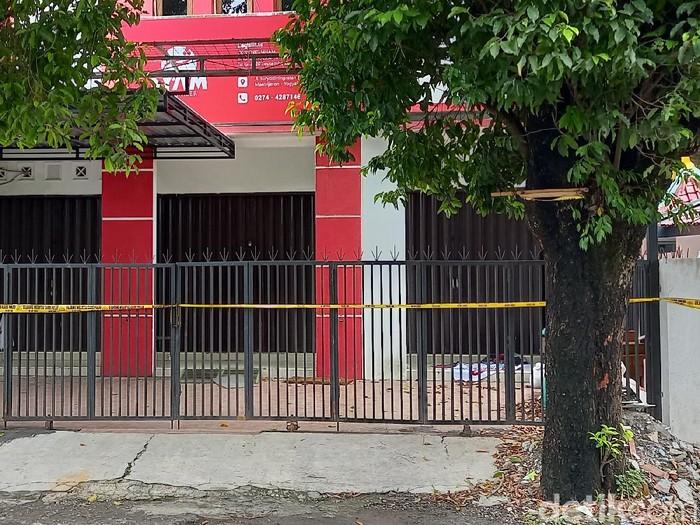 Kantor Syam Organizer Yogyakarta digeledah Densus 88 pada Minggu (5/4/2021).