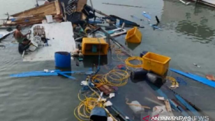 Kapal Rombongan Kunjungan Bupati Buton Selatan Kecelakaan (Foto: Antara)