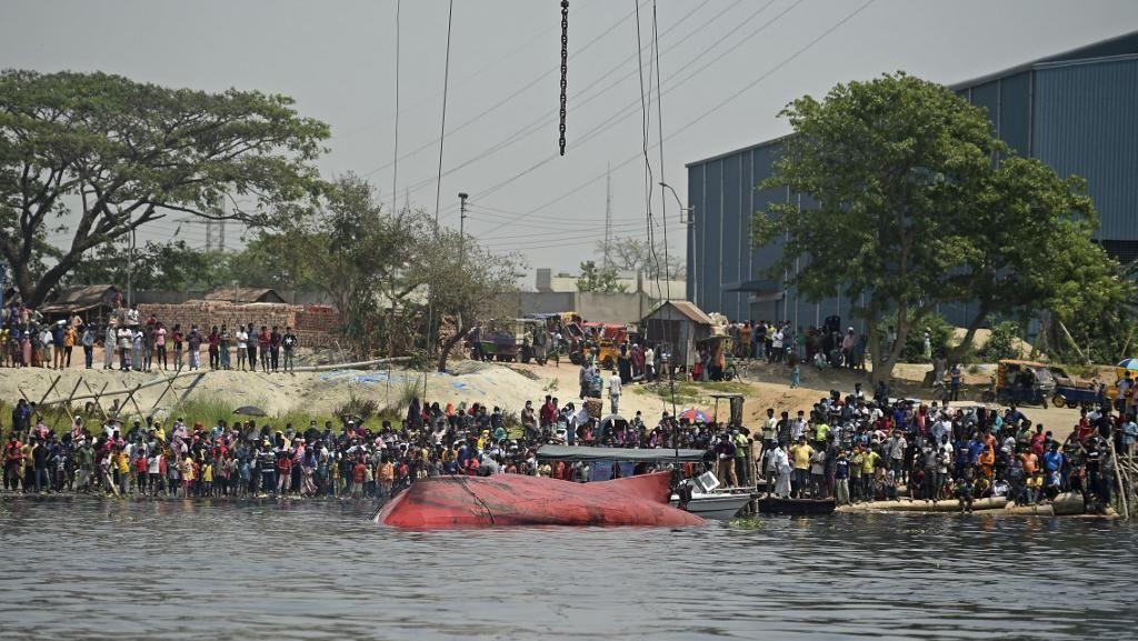 26 Orang Tewas dalam Kecelakaan Kapal Feri di Bangladesh