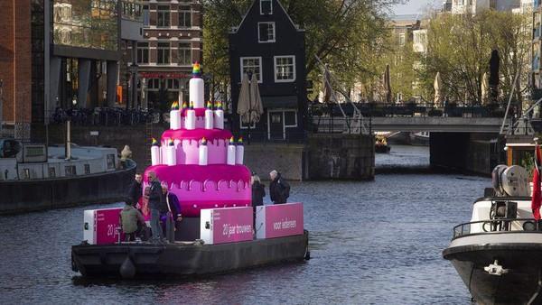 Meski pernikahan sesama jenis sudah diakui di Belanda, Walikota Amsterdam Femke Halsema mengatakan perjuangan kaum LGBT masih belum usai. Di saat yang bersamaan, perjuangan masih belum usai, tidak di Amsterdam, tidak di Belanda, tidak juga di seluruh dunia, kata Halsema. (AP)