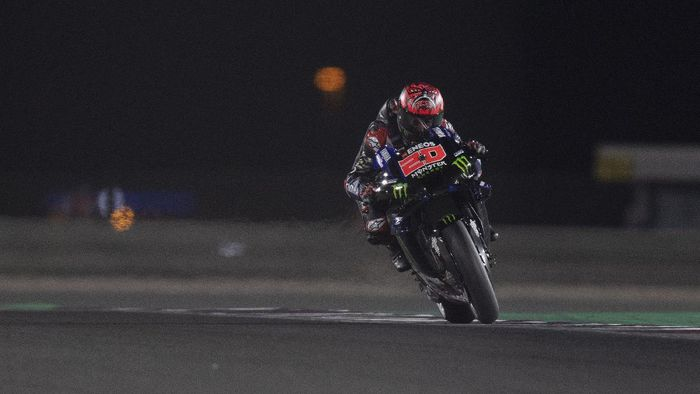 DOHA, QATAR - APRIL 03: Fabio Quartararo of France and Monster Energy Yamaha MotoGP Team  heads down a straight during the MotoGP of Qatar - Qualifying at Losail Circuit on April 03, 2021 in Doha, Qatar. (Photo by Mirco Lazzari gp/Getty Images)