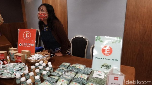 Jawa Barat menjadi pilot project penyertaan UMKM masuk ke dalam rantai pasok industri perhotelan nasional. Jabar selama ini merupakan trendsetter produk-produk lokal unggulan di Indonesia. (Siti Fatimah/detikTravel)