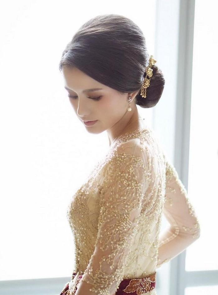Sarah menzel pacar azriel hermansyah di pernikahan Aurel dan atta