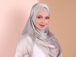 Siti Nurhaliza Luncurkan Produk Hijab, Netizen Sebut Jilbab Orang Kaya