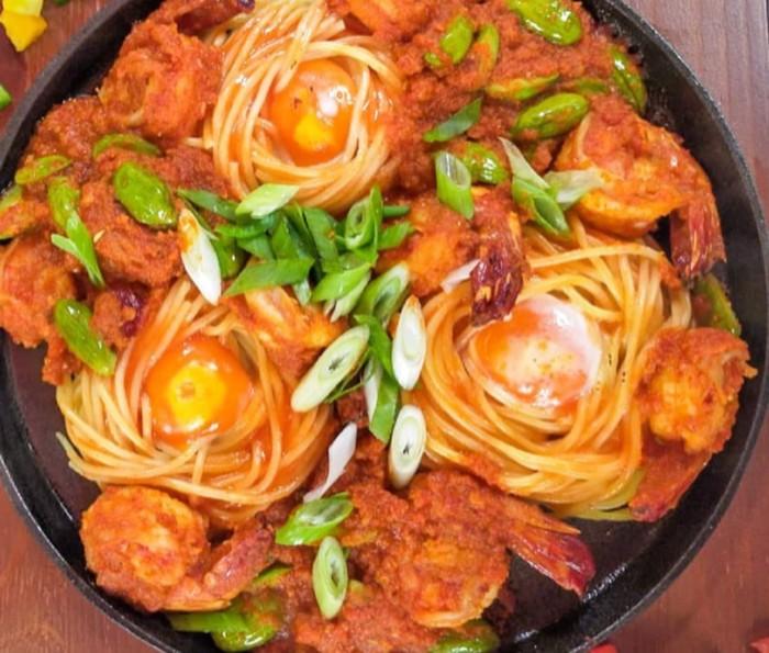 Spaghetti Sarang Burung Saus Balado