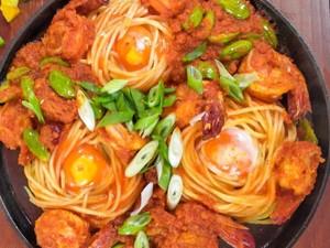 Masak Masak : Spaghetti Sarang Burung Saus Balado Udang yang Pedasnya Nampol