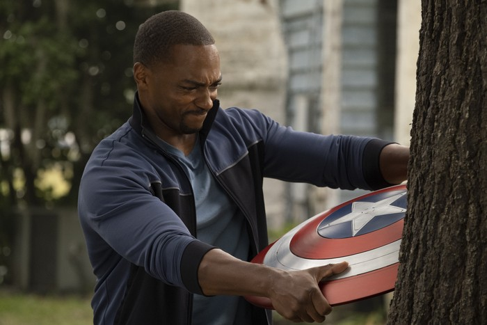 (L-R): Rhodey (Don Cheadle) and Falcon/Sam Wilson (Anthony Mackie)  in Marvel Studios THE FALCON AND THE WINTER SOLDIER exclusively on Disney+. Photo courtesy of Marvel Studios. ©Marvel Studios 2021. All Rights Reserved.