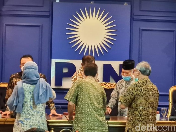 TP3 6 Laskar FPI bertemu Fraksi PAN DPR