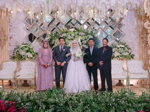 Viral Kisah Haru di Balik Foto Pernikahan, Hadirkan Ayah yang Meninggal