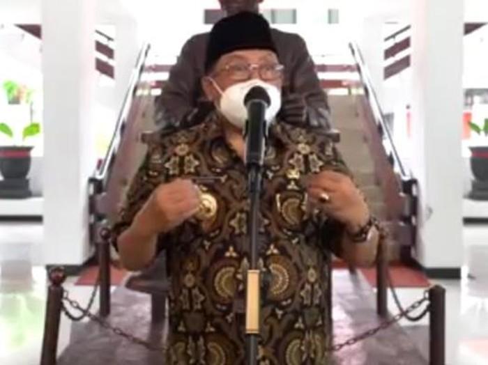 Wali Kota Blitar Santoso