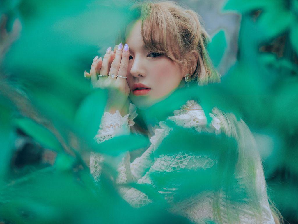 Teaser foto debut solo Wendy Red Velvet dengan album Like Water.
