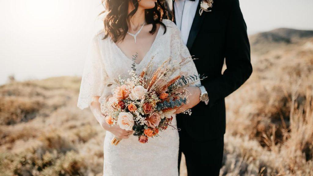 30 Ucapan Pernikahan Lengkap dan Bermakna, Cocok untuk Orang Tersayang